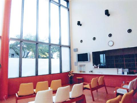 北九州市小倉北区の大久保内科胃腸科 待合室1