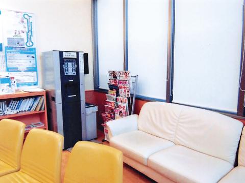 北九州市小倉北区の大久保内科胃腸科 待合室2